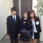 岡田結実 出身高校の制服を母 上嶋祐佳がブログに…兄も芸能人?